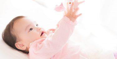 赤ちゃんおもちゃはいつから用意する?選び方のポイントとおすすめを紹介!